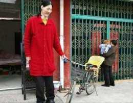 中國第一女巨人姚德芬:身高2.36米,比姚明還高,如今怎麼樣了