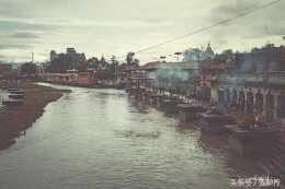 尼泊爾這條河,與印度恆河一樣髒,卻被視為聖地