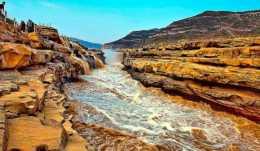"""為什麼黃河裡都是泥沙,都成了""""地上河"""",還不把泥沙挖走呢?"""